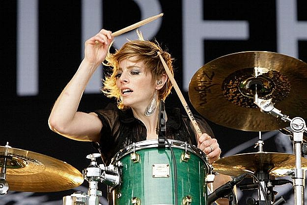 is the neon trees drummer and singer dating