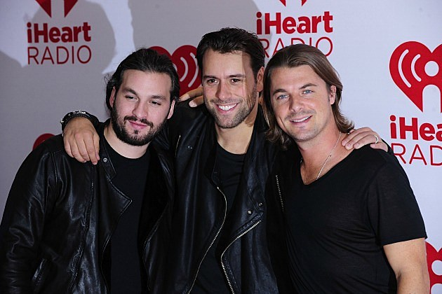 http://wac.450f.edgecastcdn.net/80450F/diffuser.fm/files/2012/11/Swedish-House-Mafia.jpg