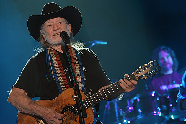 Somebody S Selling Willie Nelson S Old Tour Bus Online