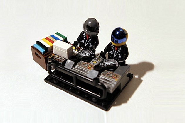 Lego Ideas -- Daft Punk