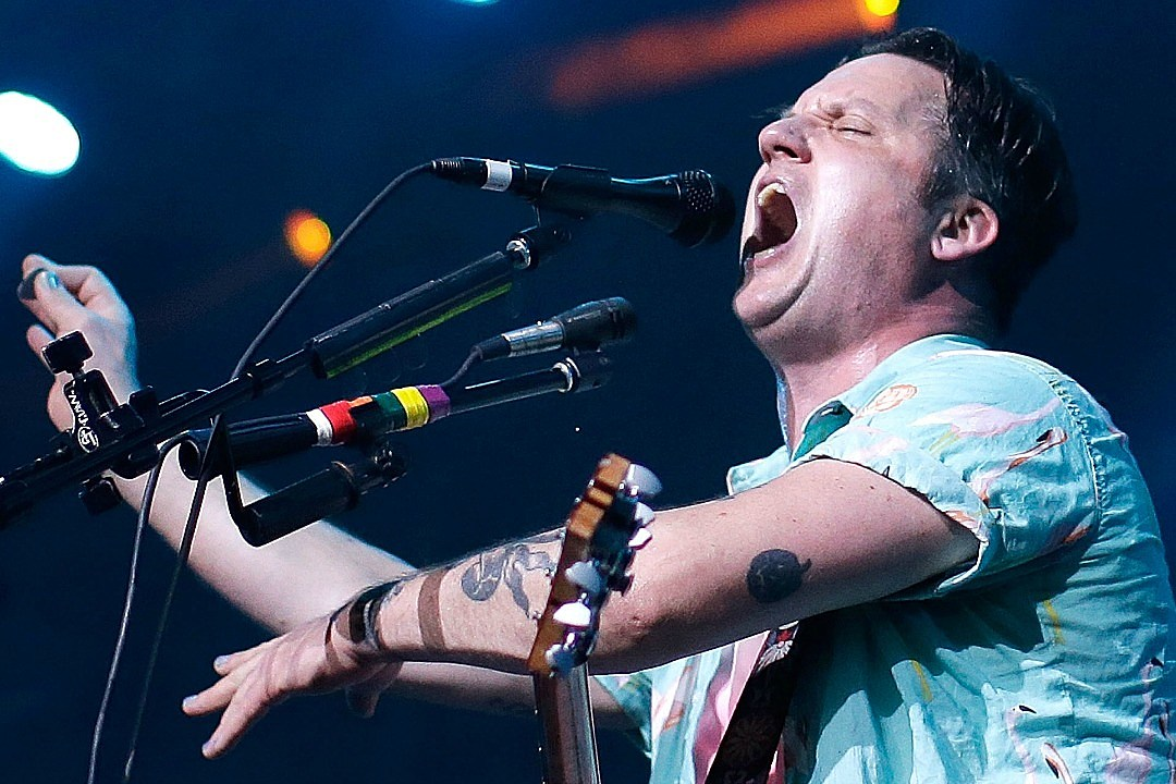 Singer of band Modest Mouse cited in Portland car crash