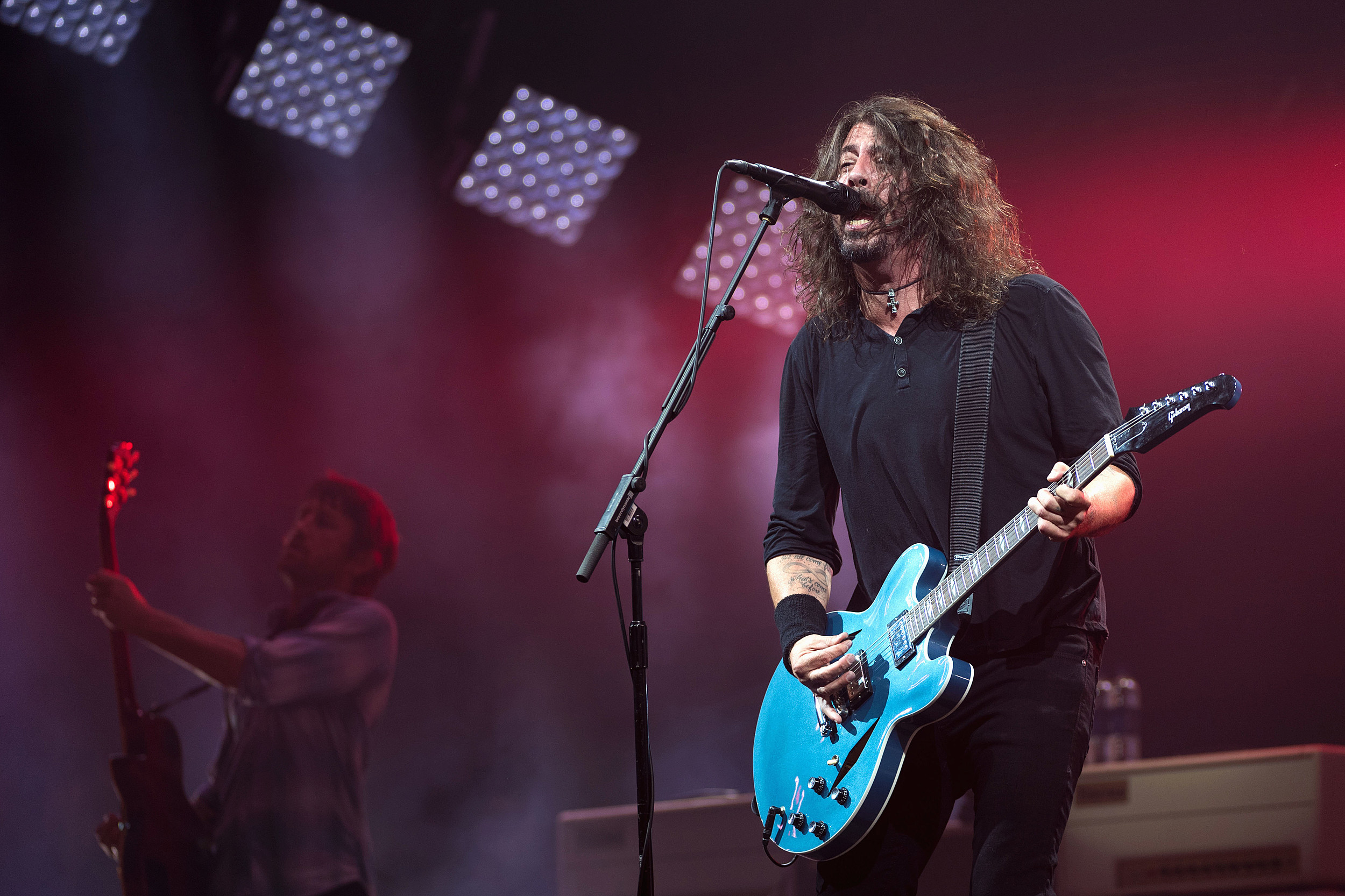 Foo Fighters reveal pop-up pub