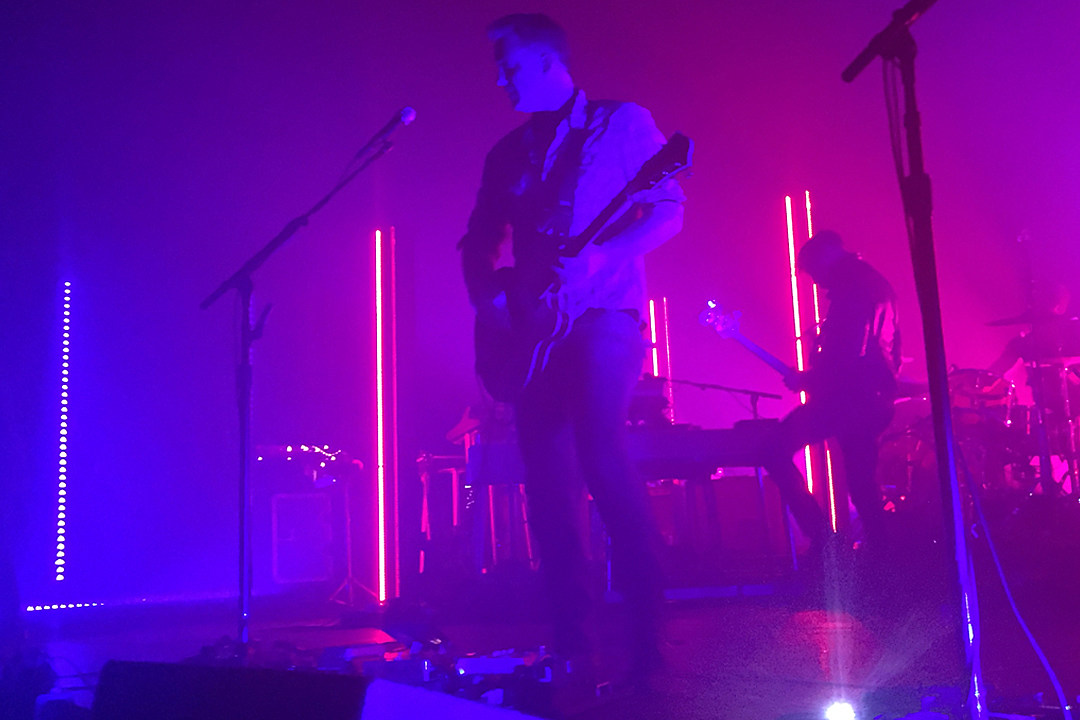 Sink or Swim: Queens of the Stone Age, Royal Blood Refuse to Pander in Cleveland